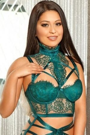 Escort  Bia from Bayswater