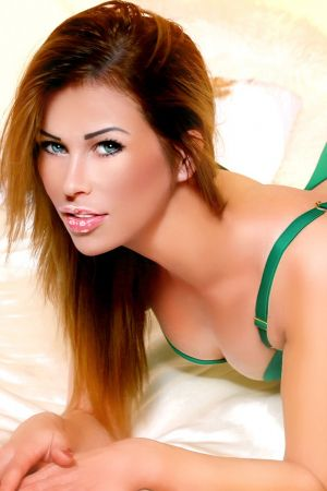 Escort  Alya from Queensway