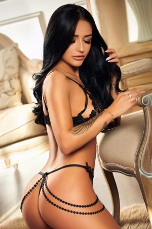 Escort  Megi from Bayswater