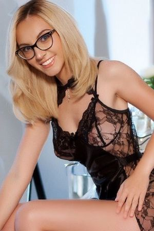 Escort  Miha from South Kensington