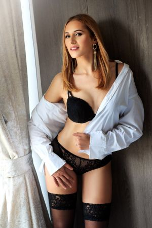 Escort  Darla from Queensway