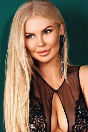 Escort  Clarisa from Knightsbridge